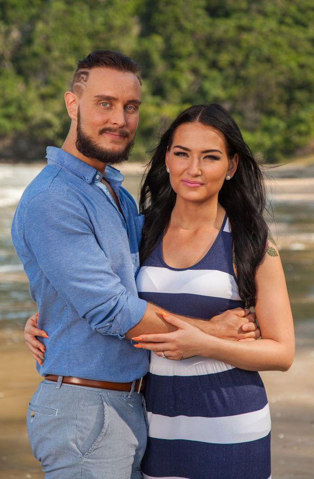 Jonnen ja Sonjan suhde päättyi sarjan viimeisessä jaksossa eroon.
