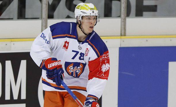 Niko Mikkola on nähty Tappara-paidassa neljässä CHL-ottelussa.