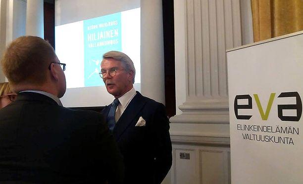 Juha Sipilän hallitus saa Björn Wahlroosilta vain välttävän todistuksen.