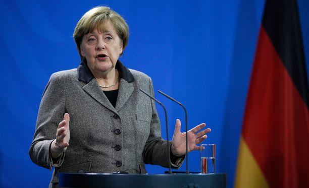 Saksan liittokanslerin Angela Merkelin suosio on kärsinyt hänen pakolaispolitiikkansa takia.