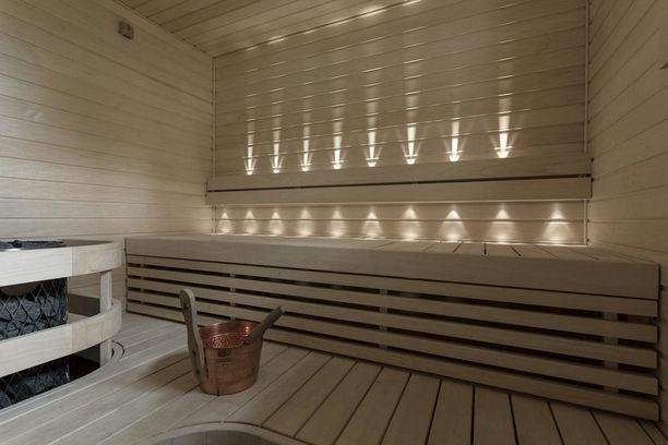 Vaaleasta puusta tehtyjä saunoja näkee taas koko ajan enemmän.