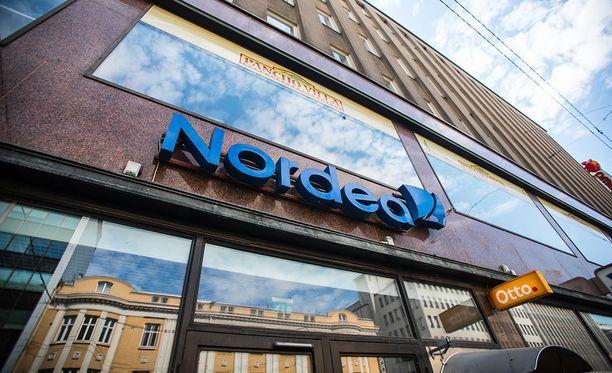 Nordean lehdistöpäällikkö Satu Malkamäki Nordean viestinnästä kertoo, että vikaa korjataan parhaillaan.