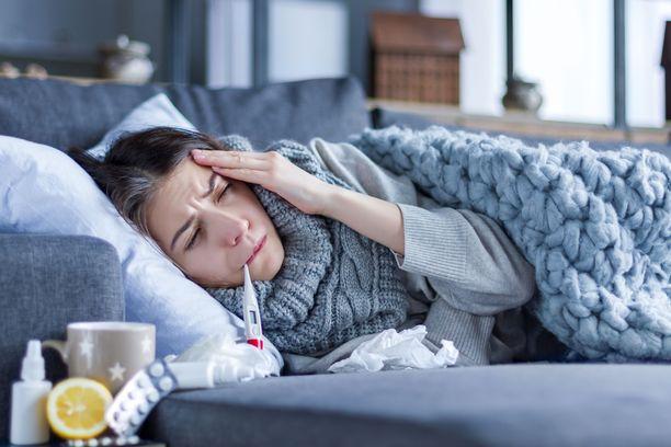 Influenssan tunnistaa usein nopeasti nousevasta korkeasta kuumeesta. Monilla influenssaan liittyy myös lihas- tai päänsärkyä.