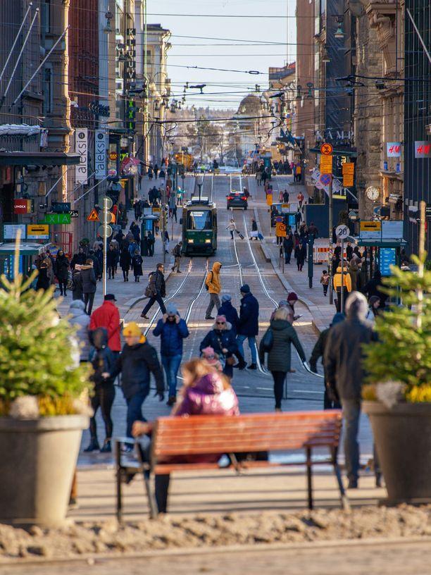 Moni maa varoittaa taskuvarkaista, joita liikkuu esimerkiksi Helsingin keskustan vilkkaimmilla paikoilla.