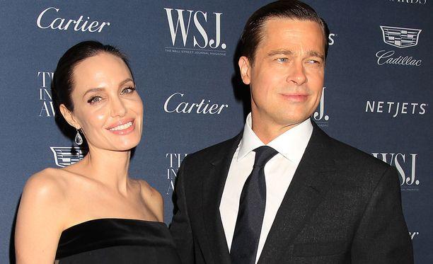 Angelina ja Brad ovat pitäneet yhtä pian 11 vuotta. Pari vihittiin elokuussa 2014, ja heillä on kuusi lasta.