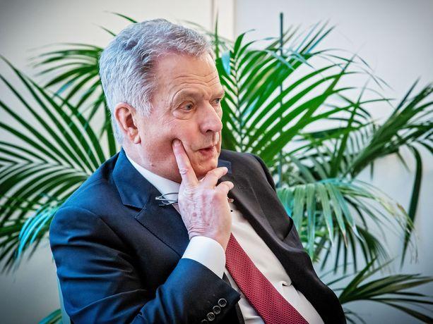 Presidentti Niinistö haluaisi, että kaikki oirehtivat pääsisivät koronavirustestiin.