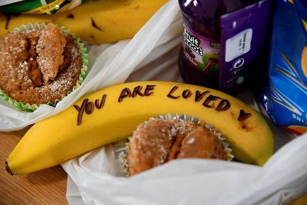 Herttuatar Meghanin kirjoittama banaaniviesti.