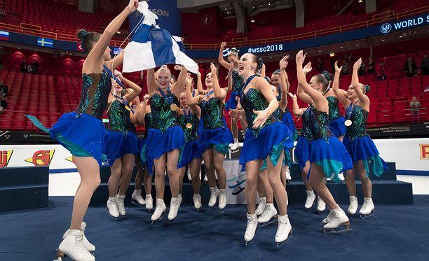 Marigold IceUnityn joukkue riehaantui MM-kullasta.