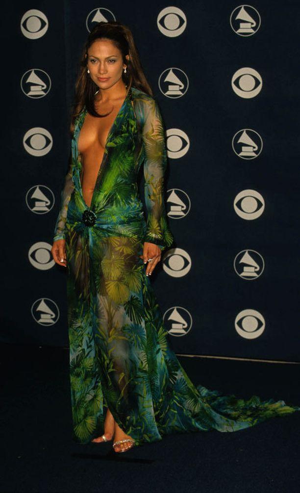 Näin hehkeänä Jennifer edusti vuonna 2000.
