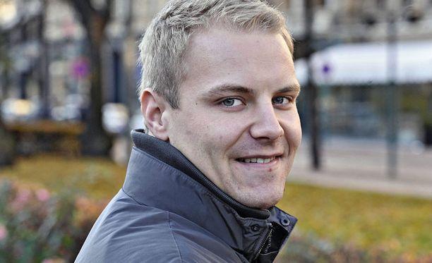Valtteri Bottas seurasi viime viikonloppuna uintikisoja.