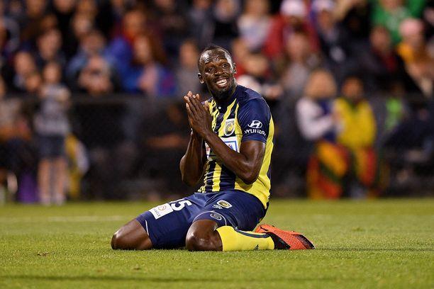 100 ja 200 metrin ME-miehen Usain Boltin läpimurto jalkapallokentillä jäi haaveeksi.