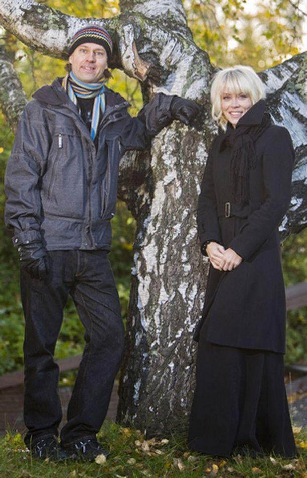 Värttinä valmistautuu juhlavuoteen. <br>-Uutta ja vanhaa on luvassa, lupaavat yhtyeen jäsenet Johanna Virtanen ja Antto Varilo.