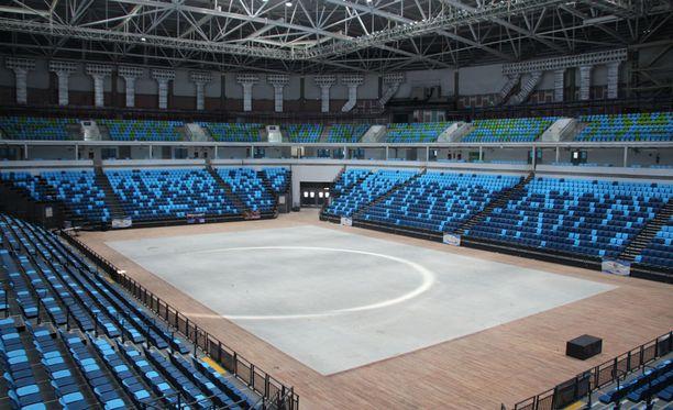 Hylätyllä Carioca 1 -areenalla pelattiin Rion koripallopelit.
