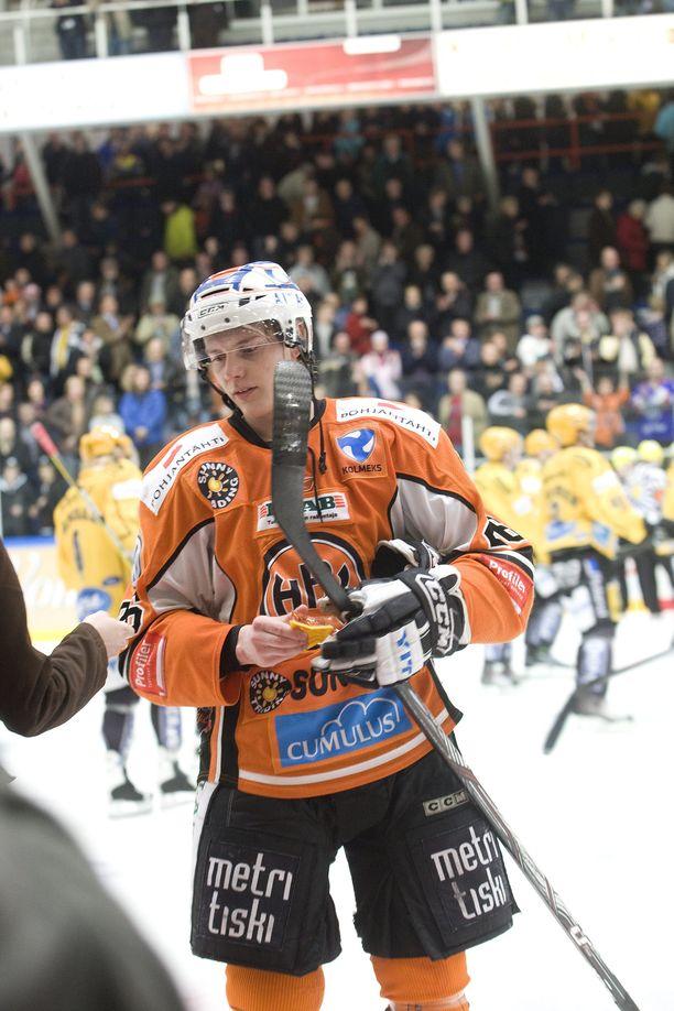 Janne Laakkosen palkintokaapissa on neljä SM-mitalia. SM-liigauran kohokohta oli kausi 2009-10, jolloin HPK eteni finaaleihin ja Laakkonen voitti pudotuspelien pistepörssin.