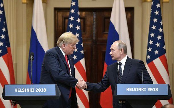 Donald Trump ja Vladimir Putin kättelivät Helsingissä heinäkuun puolivälissä.