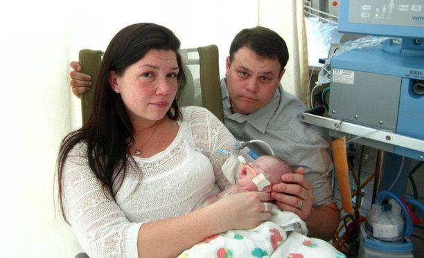 Landon vietiin takaisin sairaalaan, kun hän oli saanut sydänkohtauksen pahan nestehukan seurauksena.