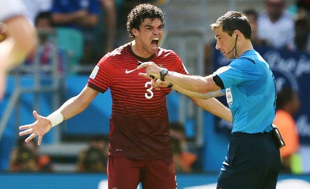 Pepe menetti täysin hermonsa Saksa-ottelussa.