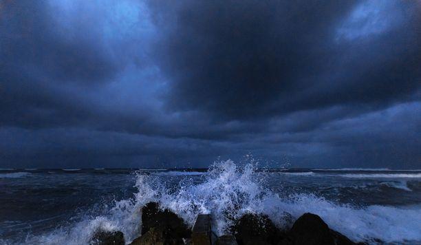 Kuva Palm Beachiltä kymmenen minuuttia ennen aamunkoittoa.