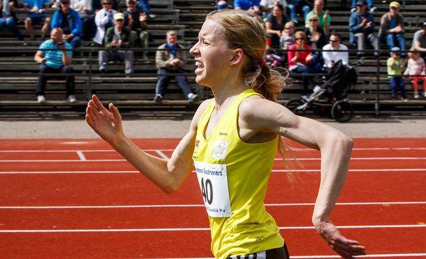 Persoonallisella tyylillä juokseva Johanna Peiponen on 10000 metrin Euroopan tämän kauden tilastotuloksissa peräti neljäs.