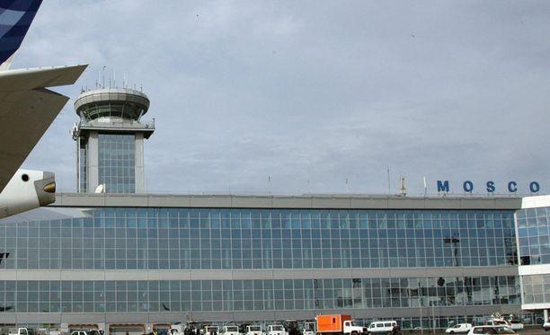 Domodedovon kenttä sijaitsee noin 40 kilometriä kaakkoon Moskovan keskustasta.