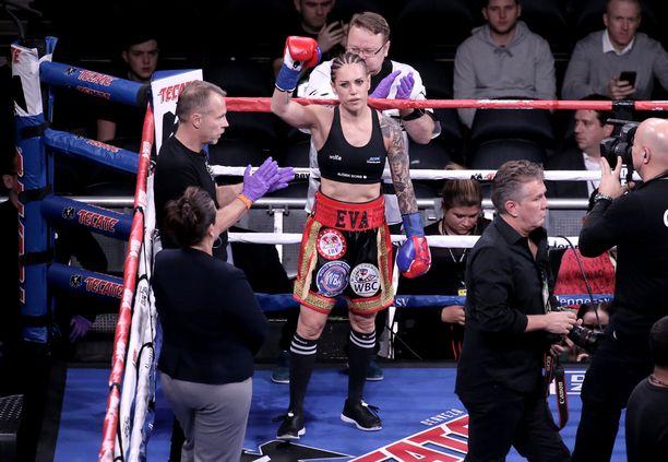 Eva Wahlström otteli edellisen kerran joulukuussa.