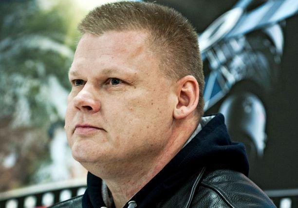 Suomen tunnetuimpiin rikollisiin kuuluva kolmoismurhaaja on tähän mennessä istunut 18 vuotta vankilassa.