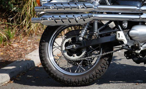 Liian matala rengaspaine voi vaikuttaa merkittävästi ajettavuuteen ja turvallisuuteen.