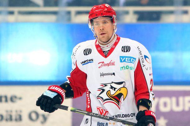 Turo Asplund sai viiden ottelun pelikiellon.