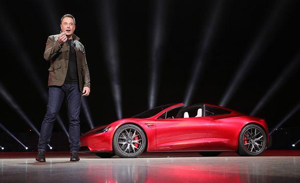 Elon Musk esitteli Teslan uuden 2020 Roadster-auton Kaliforniassa viime marraskuussa.