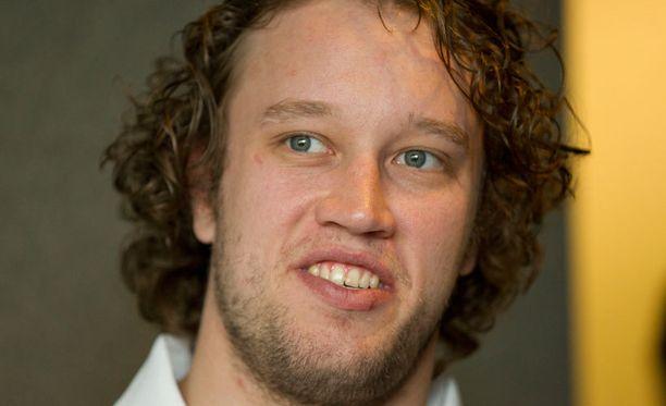 Karri Rämöllä kulkee KHL:ssä.