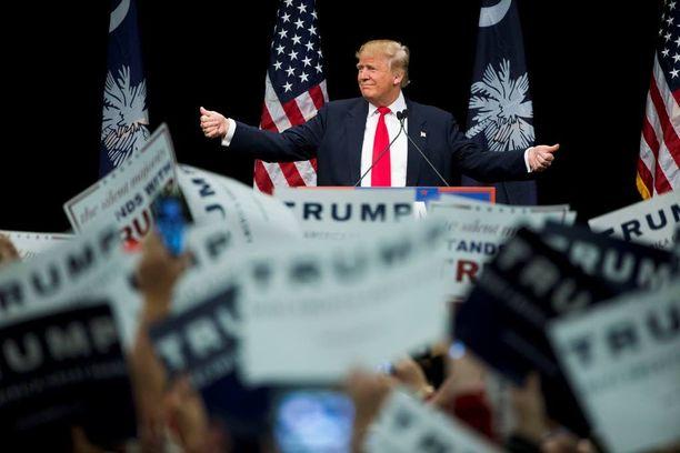 Republikaanien presidenttiehdokkaaksi pyrkivän Donald Trumpin isä pidätettiin Ku Klux Klanin marssilla vuonna 1927.
