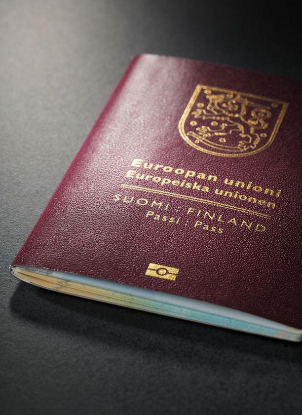 Tahalliset kirjoitusvirheet ovat vain yksi tapa vaikeuttaa Suomen passin väärentämistä.