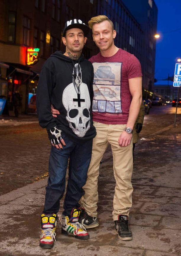 Jonathan Silfver ja Marko-poikaystävä olivat pukeutuneet rennosti.