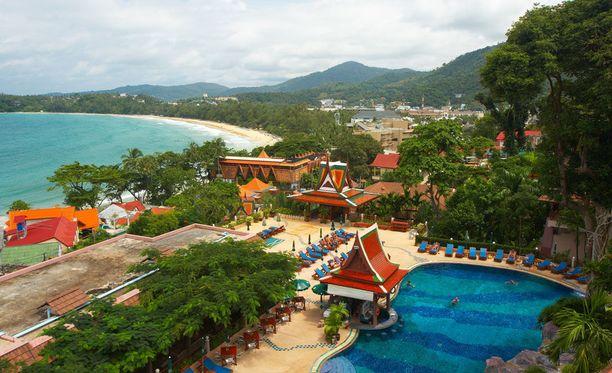 Phuket on yksi Thaimaan suosituimmista kohteista, eikä syyttä. Hiekkarannat ja kirkkaat vedet tekevät siitä rantalomailijan paratiisin.