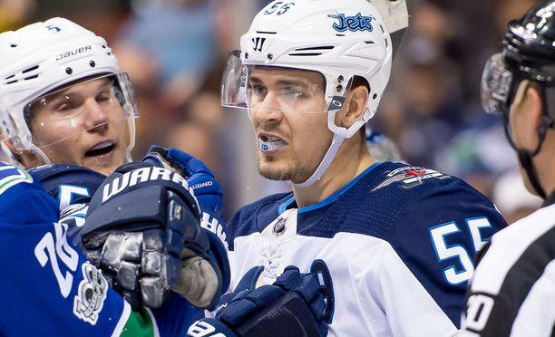 Winnipeg Jets menetti Mark Scheifelen.