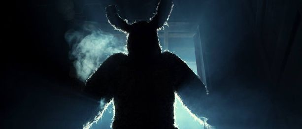 Bunny the Killer Thingissä näyttelee pornotähti Henry Saari.