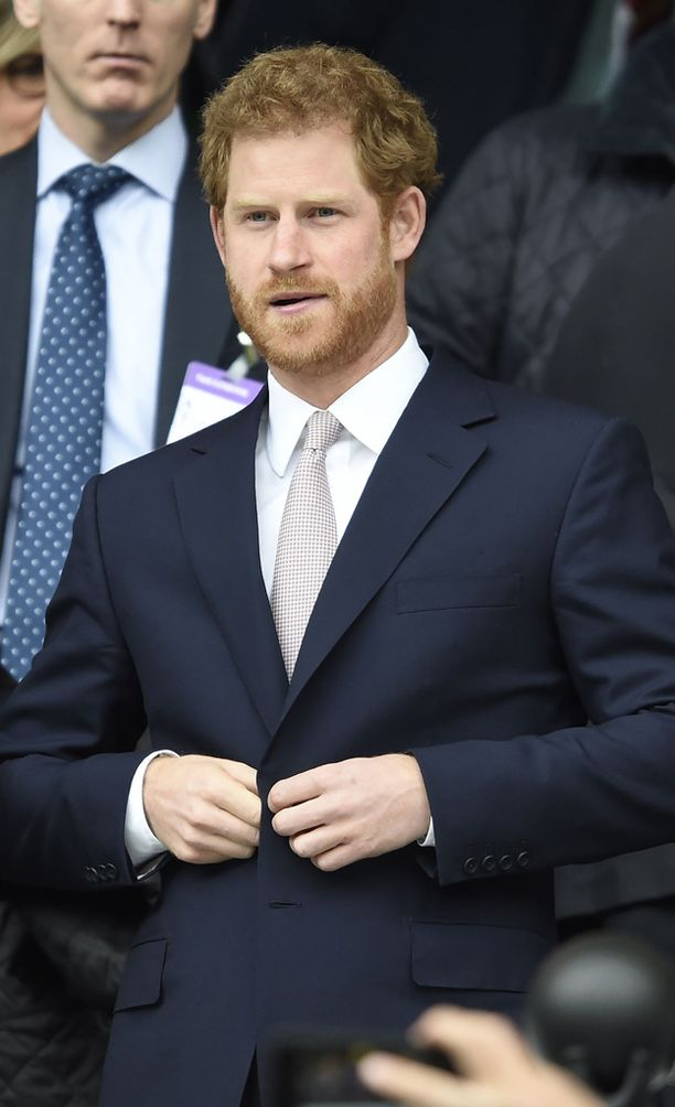 Huhut prinssi Harryn isästä ovat velloneet vuosia.