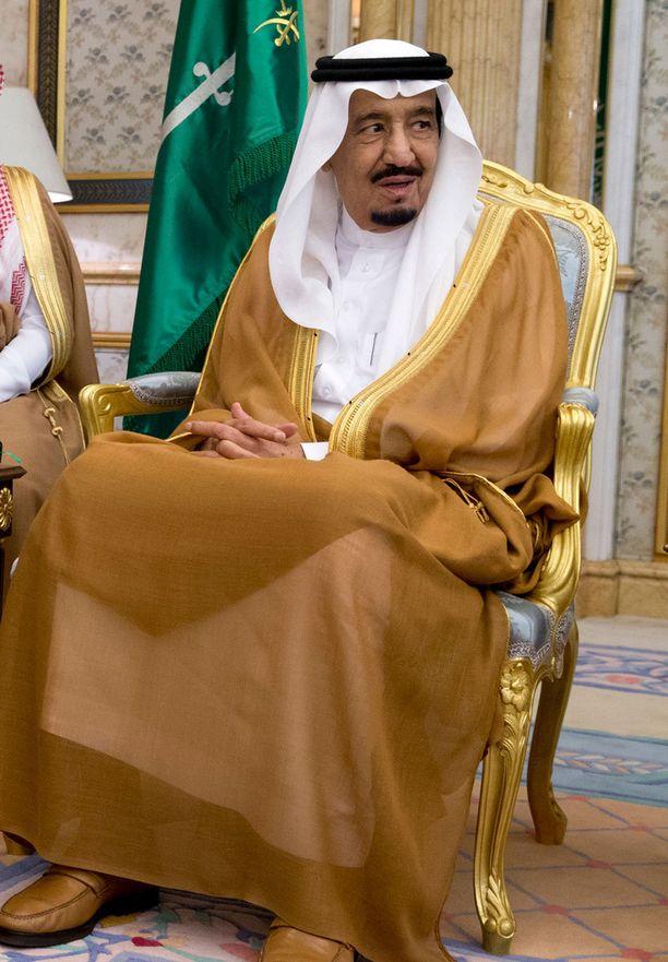 Kuningas Salman lomailee Rivieralla kolme viikkoa.