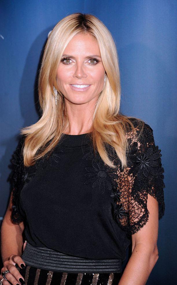Muuttunutta hiusten väriä lukuun ottamatta Heidi näyttää yhtä hehkeältä kuin 18 vuotta sitten. Kaunotar kuvattiin New Yorkissa viime viikolla.