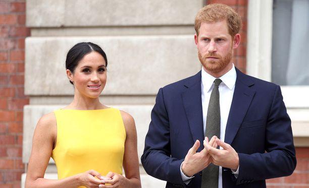 Prinssi Harry ja herttuatar Meghan edustivat torstaina kuninkaallista perhettä Commonwealth Youth Challenge -tilaisuuden vastaanotolla Lontoossa.