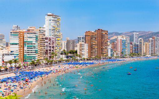 Kaupallinen yhteistyö Rantapallo: Kokeile jotain uutta Espanjassa - viisi syytä matkustaa Etelä-Espanjan aurinkoiseen Benidormiin