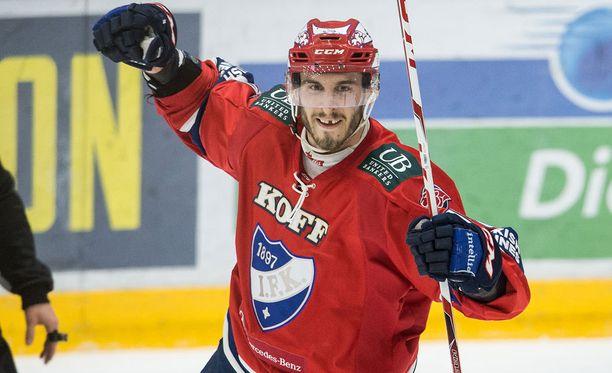 JYPin riveissä liigatasolle murtautunut Auvitu nousi HIFK:n riveissä Liigan tähtikastiin.