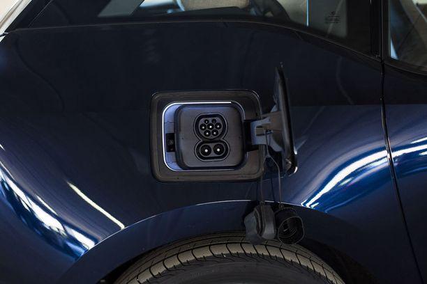Pikalataus 50 kW:n teholla tekee matkanteosta varsin vaivatonta.