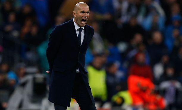 Zinédine Zidane käskytti Real Madridin Mestarien liigan välieriin.