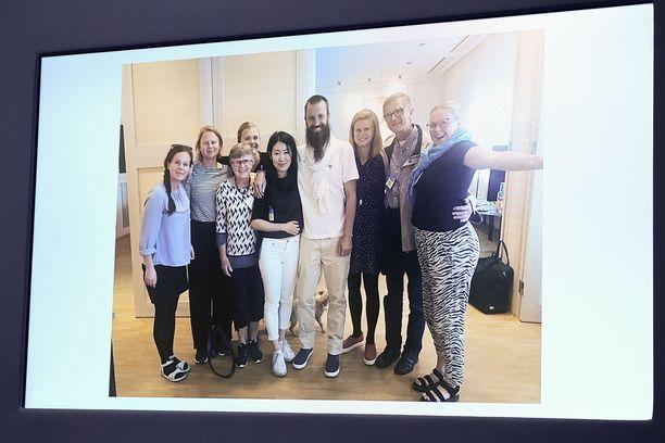 Gustafsson tapasi perheensä kuuden vuoden jälkeen Arlandan lentokentällä Tukholmassa.