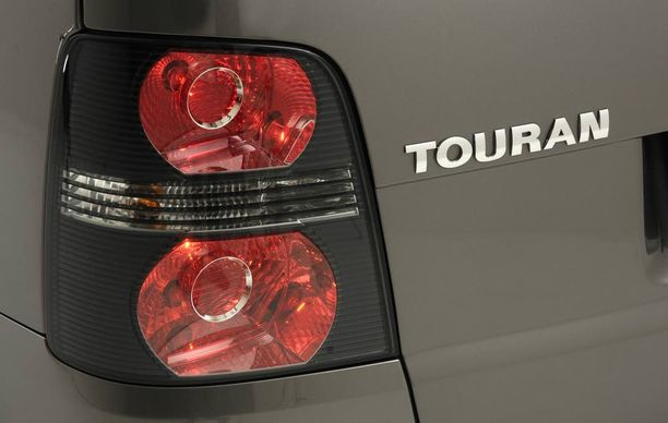 Volkswagen Touran tuli suomalaisille nollavuosikymmenenä tutuksi muun muassa taksikäytöstä. Suomen taksi-Touranit olivat useimmiten dieseleitä.