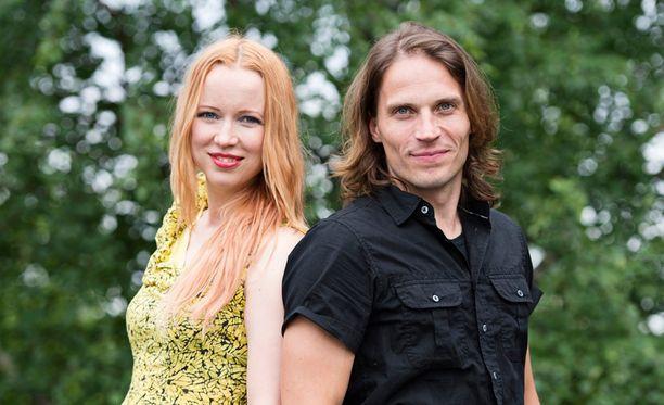 Johanna Koivu ja Juba Lagström jättivät Elonkerjuu-yhtyeen.