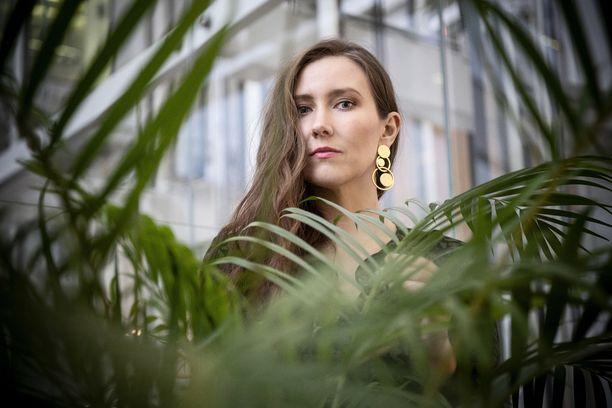 Siru Airistolan uusi Habit-EP on täynnä henkilökohtaisia lauluja.