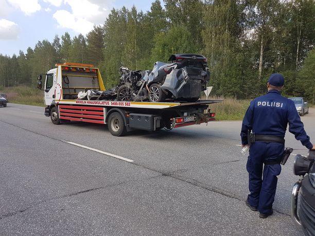 Kolari tapahtui noin viisi kilometriä Mäntyharjulta etelään.