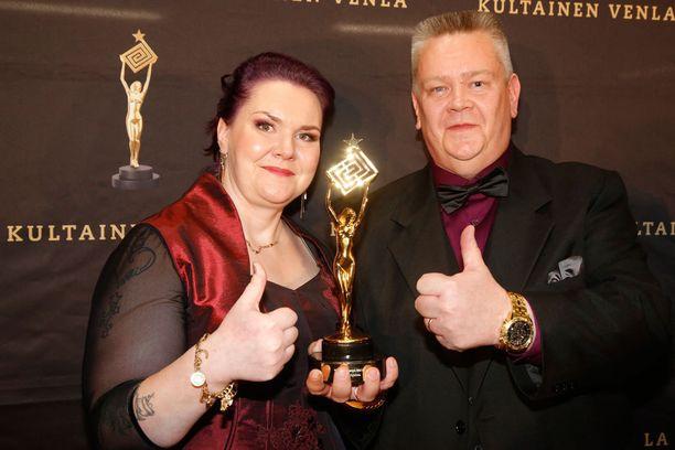 Heli ja Aki Palsanmäki juhlivat Venlaansa aamuun saakka.